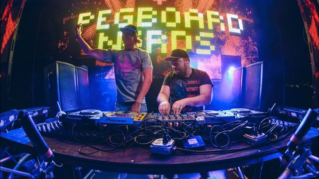 [UNRELEASED] Pegboard Nerds & Cash Cash - Visions